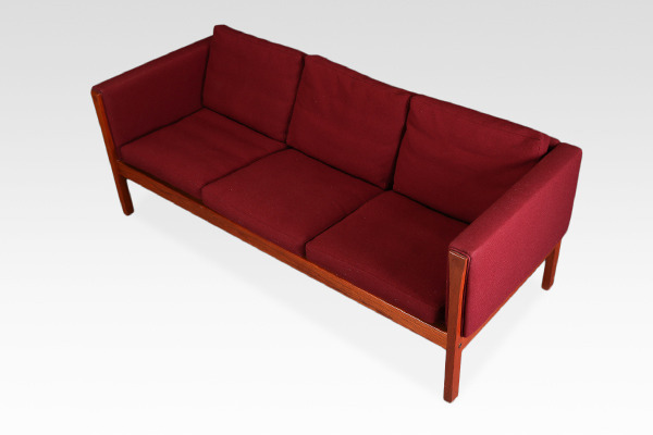 Hans J. Wegner  3 seater sofa& Easy chair . AP62  AP Stolen (3).jpg