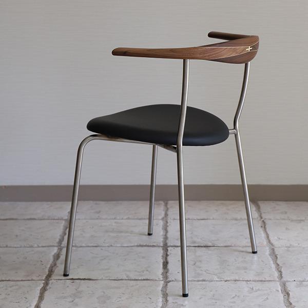 Hans J. Wegner  Armchair. PP-701  PP Mobler (1).jpg