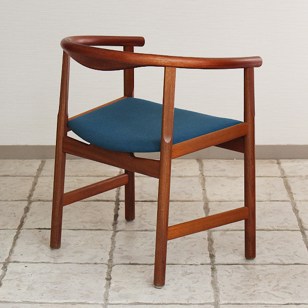 Hans J. Wegner  Chair. Model PP 203  PP mobler (10).jpg