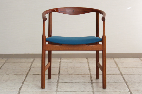 Hans J. Wegner  Chair. Model PP 203  PP mobler (1).jpg