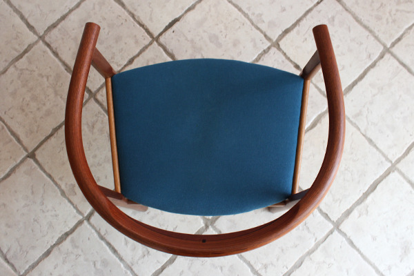 Hans J. Wegner  Chair. Model PP 203  PP mobler (2).jpg