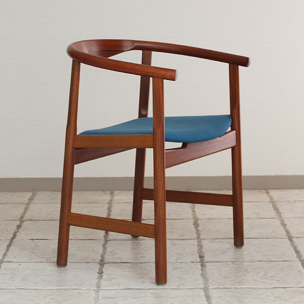 Hans J. Wegner  Chair. Model PP 203  PP mobler (7).jpg
