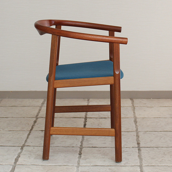 Hans J. Wegner  Chair. Model PP 203  PP mobler (8).jpg