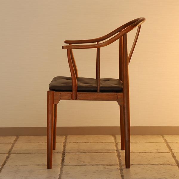 Hans J. Wegner  China chair. Model 4283  Fritz Hansen (7).jpg
