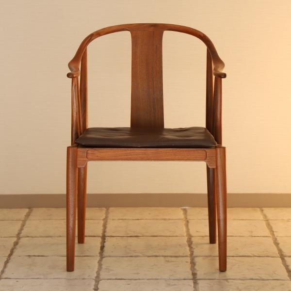 Hans J. Wegner  China chair. Model 4283  Fritz Hansen (9).jpg
