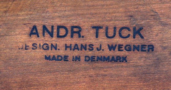 Hans J. Wegner  Circular coffee table  Andreas Tuck (1).jpg