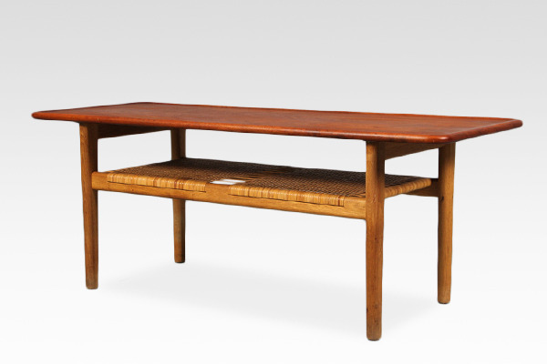 Hans J. Wegner  Coffee table. AT-10  Andreas Tuck (2).jpg