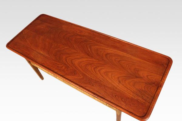 Hans J. Wegner  Coffee table. AT-10  Andreas Tuck (3).jpg