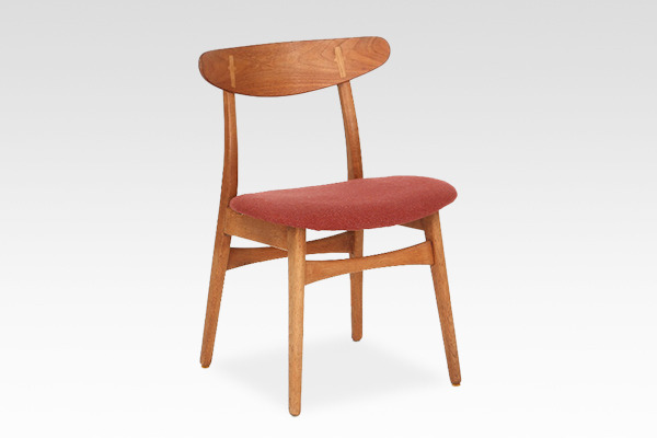 Hans J. Wegner  Dining chair. CH-30 Teak & Oak   Carl Hansen & Son � (2).jpg