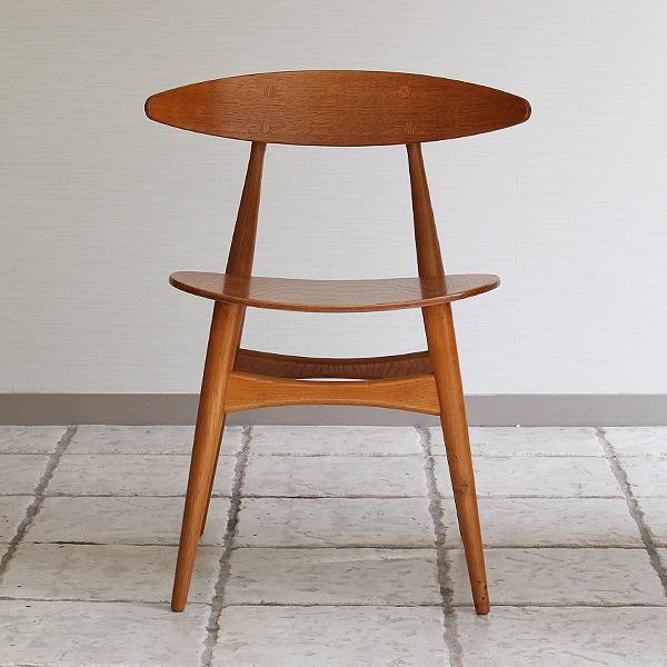 Hans J. Wegner  Dining chair. CH-33  Carl Hansen & Son (2).jpg