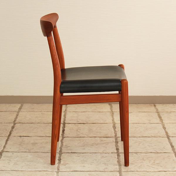 Hans J. Wegner  Dining chair. W2  C.M (17).jpg