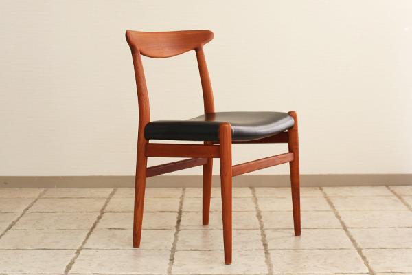 Hans J. Wegner  Dining chair. W2  C.M (19).jpg