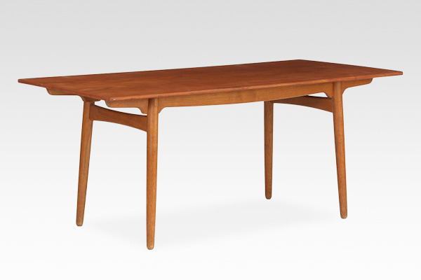 Hans J. Wegner  Dining table  Andreas Tuck (1).jpg