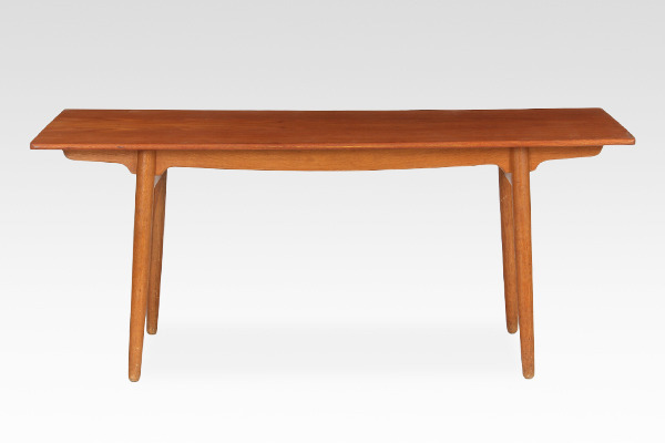 Hans J. Wegner  Dining table  Andreas Tuck (2).jpg