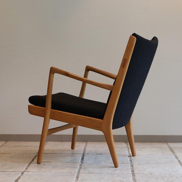 Hans J. Wegner  Easy chair. AP16 Oak  AP Stolen (2).jpg