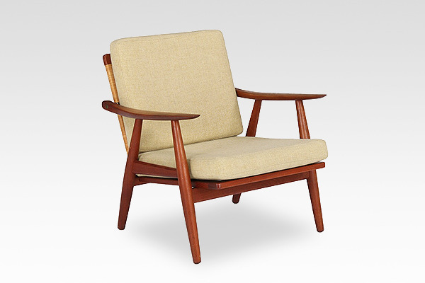Hans J. Wegner  Easy chair. GE270  GETAMA (2).jpg