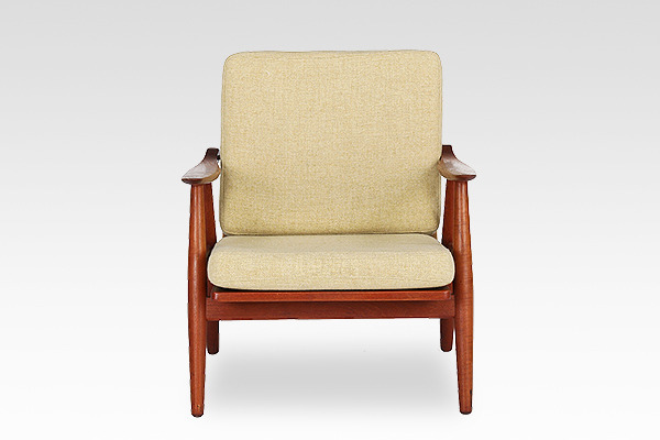 Hans J. Wegner  Easy chair. GE270  GETAMA (4).jpg