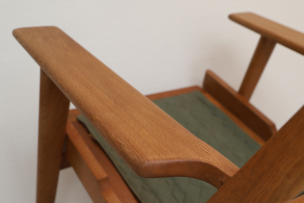 Hans J. Wegner  Easy chair. GE290 .Oak  GETAMA-01 (3).jpg