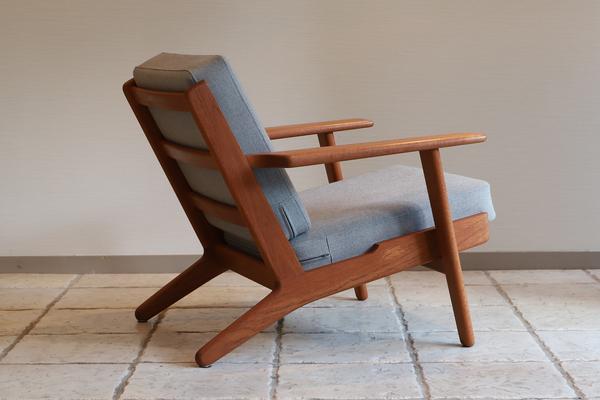 Hans J. Wegner  Easy chair. GE290 .teak  GETAMA-02 (1).jpg