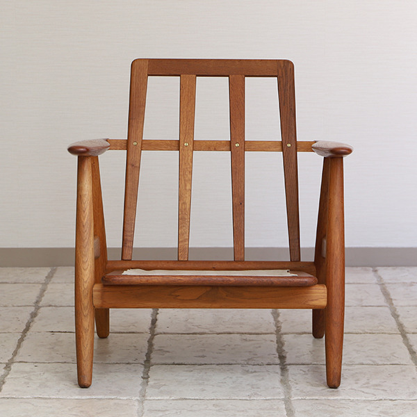 Hans J. Wegner  Easy chair GE-240  GETAMA-01 (1).jpg
