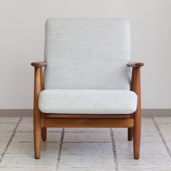 Hans J. Wegner  Easy chair GE-240  GETAMA-01 (4).jpg