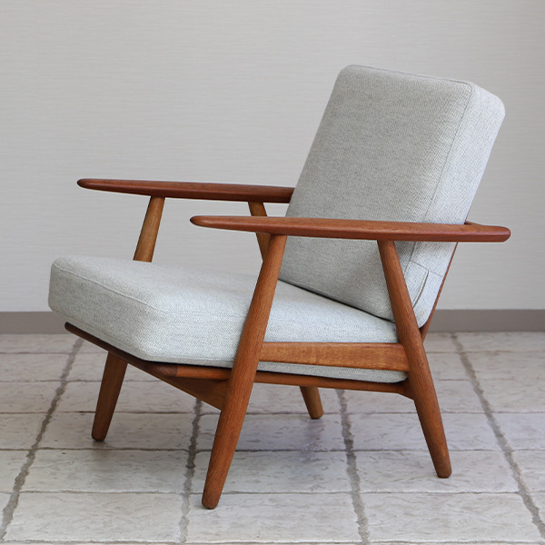 Hans J. Wegner  Easy chair GE-240  GETAMA-01 (5).jpg