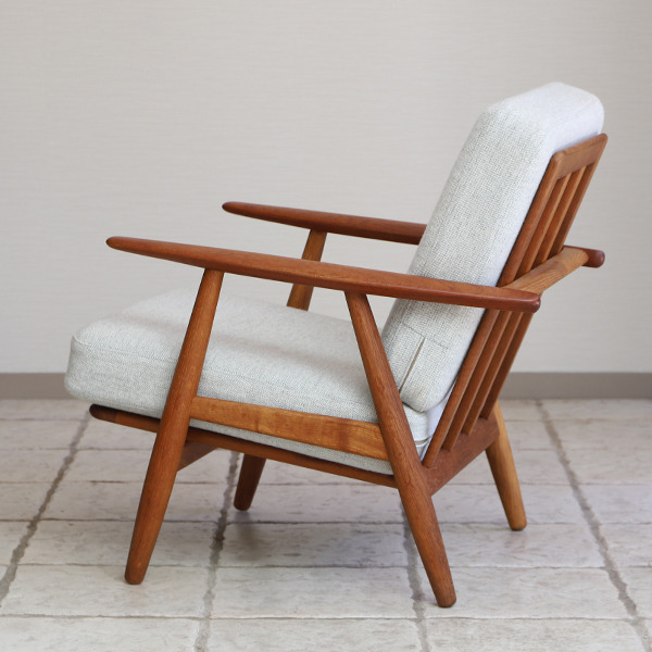 Hans J. Wegner  Easy chair GE-240  GETAMA-01 (7).jpg