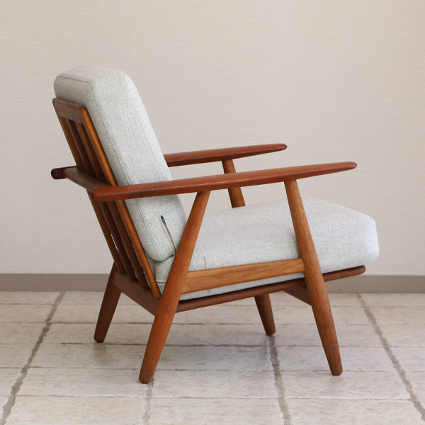 Hans J. Wegner  Easy chair GE-240  GETAMA-02 (7).jpg