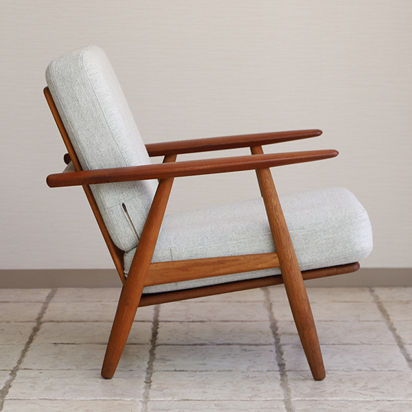 Hans J. Wegner  Easy chair GE-240  GETAMA-02 (8).jpg