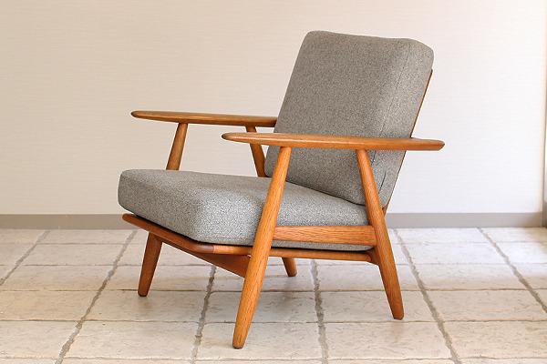 Hans J. Wegner  Easy chair GE-240  GETAMA (1).jpg