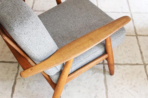 Hans J. Wegner  Easy chair GE-240  GETAMA (2).jpg