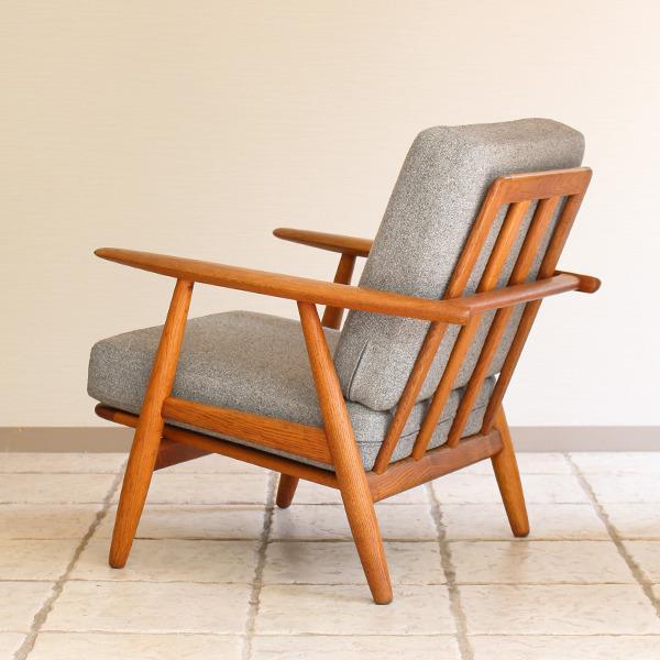 Hans J. Wegner  Easy chair GE-240  GETAMA (6).jpg
