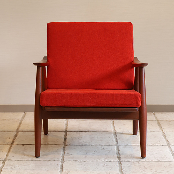 Hans J. Wegner  Easy chair GE-270  GETAMA (1).jpg