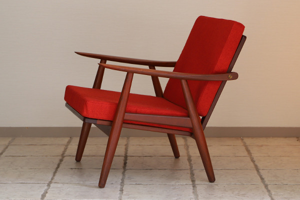 Hans J. Wegner  Easy chair GE-270  GETAMA (6).jpg