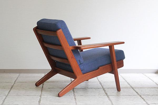 Hans J. Wegner  Easy chairs. GE290 Teak  GETAMA-2 (5).jpg