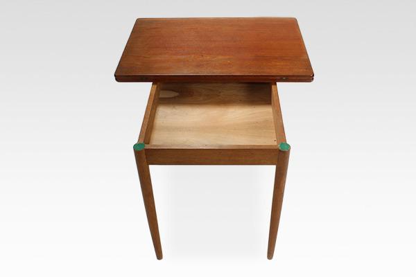 Hans J. Wegner  Game Table .AT306  Andreas Tuck (1).jpg