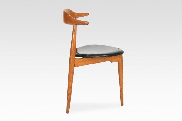Hans J. Wegner  Heart chair. FH 4104  Fritz Hansen (3).jpg