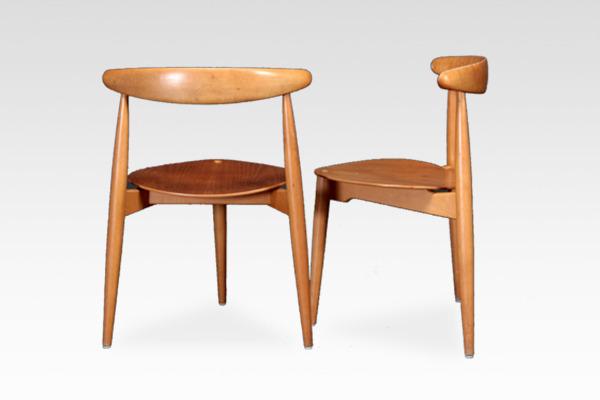 Hans J. Wegner  Heart chairs. FH-4103  Fritz Hansen (3).jpg