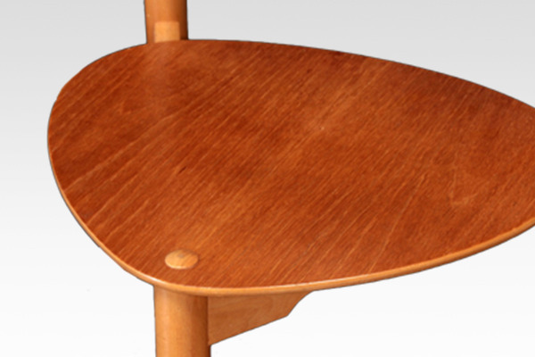 Hans J. Wegner  Heart chairs. FH-4103  Fritz Hansen (4).jpg