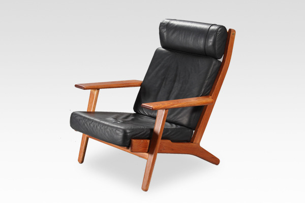 Hans J. Wegner  High back easy chair. GE-290A  GETAMA (3).jpg