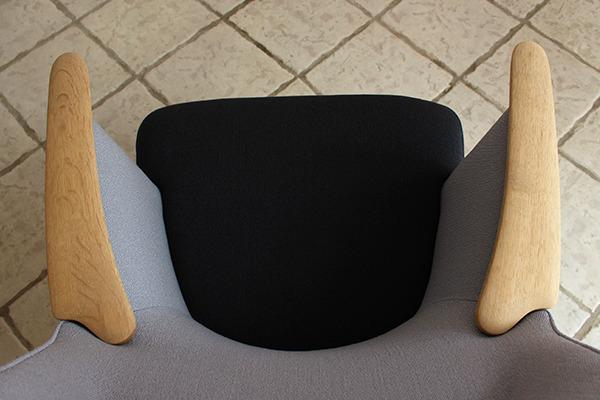 Hans J. Wegner  Mama bear chair. AP-27  AP Stolen (1).jpg