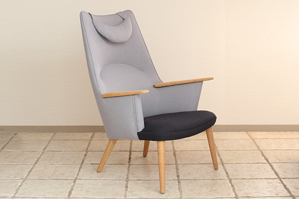 Hans J. Wegner  Mama bear chair. AP-27  AP Stolen (6).jpg