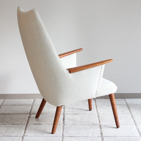 Hans J. Wegner  Mama bear chair. AP-27 teak  AP Stolen-06.jpg