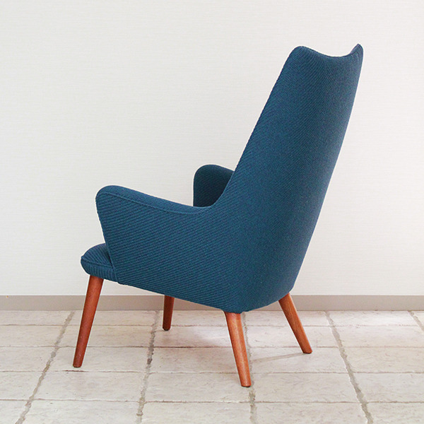 Hans J. Wegner  Mama bear chair. AP-27 teak  AP Stolen (2).jpg