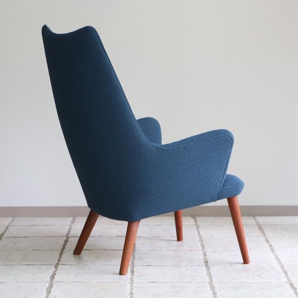 Hans J. Wegner  Mama bear chair. AP-27 teak  AP Stolen (6).jpg