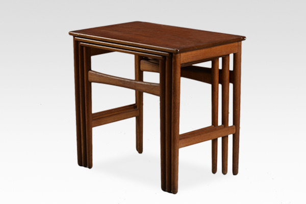 Hans J. Wegner  Nesting Tables. AT-40 Andreas Tuck.jpg