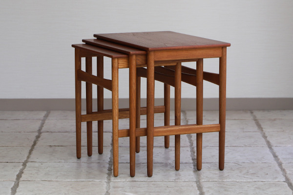 Hans J. Wegner  Nesting Tables. AT-40 Andreas Tuck (12).jpg