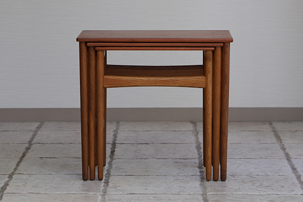 Hans J. Wegner  Nesting Tables. AT-40 Andreas Tuck (3).jpg