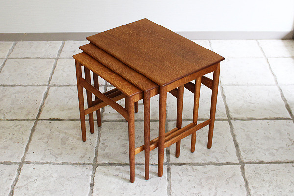 Hans J. Wegner  Nesting Tables. AT-40 Oak  Andreas Tuck (3).jpg