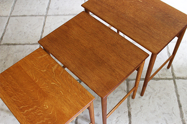 Hans J. Wegner  Nesting Tables. AT-40 Oak  Andreas Tuck (6).jpg